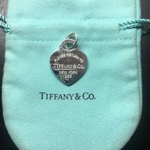 Tiffany&co Heart Pendant